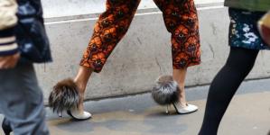 Παπούτσια με γούνα! Θα γίνουν η νέα σου εμμονή
