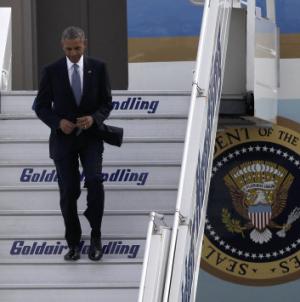 Ο Ομπάμα στην Αθήνα LIVE – Η υποδοχή στο αεροδρόμιο – Στον Αστέρα ο Αμερικανός πρόεδρος