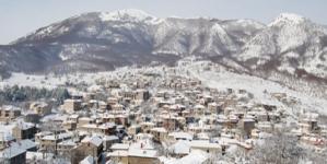 Ταξιδι: Άγιος Αθανάσιος – Παιχνίδι με το χιόνι στα σύνορα της Ελλάδας (εικόνες)