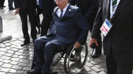 """Βόμβα Σόιμπλε: """"Ο Τσίπρας φταίει για τη λιτότητα, όχι εγώ"""""""