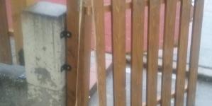 Άργος Ορεστικό: Τρίτη φορά σε έναν μήνα σπάσανε την πόρτα σε παιδική χαρά (φωτογραφίες)
