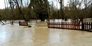 Άργος Ορεστικό: Ζημιές από τις πλημμύρες στο Δασάκι και στις αθλητικές εγκαταστάσεις (βίντεο)