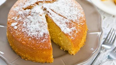 Ηρθε η στιγμή να φτιάξεις την πιο εύκολη βασιλόπιτα κέικ με πορτοκάλι του Βασίλη Καλλίδη