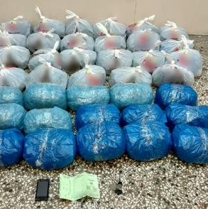 Συνελήφθη 56χρονος στην Καστοριά με 39 κιλά κάνναβης στο αυτοκίνητό του – Βρέθηκαν ναρκωτικά και στο σπίτι του