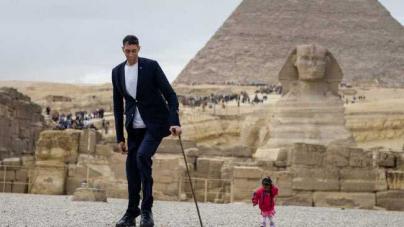 O ψηλότερος άνδρας στον κόσμο συνάντησε την πιο κοντή γυναίκα του κόσμου