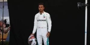 Formula 1: Ο Χάμιλτον θα φορά στολή… αξίας 112 εκατ.ευρώ