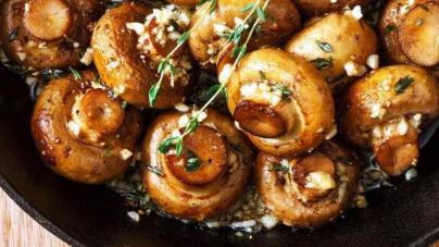 Μανιτάρια με σκόρδο, στο τηγάνι