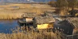 Πώς ανακαλύφθηκε στον βυθό της λίμνης της Καστοριάς το προϊστορικό χωριό που χτίστηκε πριν από χιλιετίες στην Ελλάδα