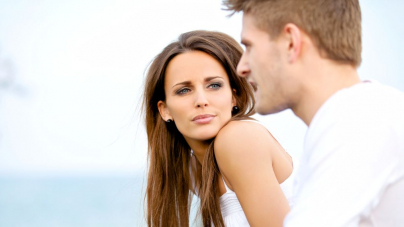Ο άπιστος άνδρας φαίνεται με την πρώτη ματιά -Τι είναι αυτό που τον προδίδει