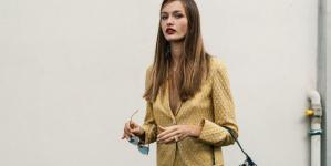 Oι ωραιότερες μίντι φούστες για το φθινόπωρο -Δερμάτινες, πλεκτές, με prints