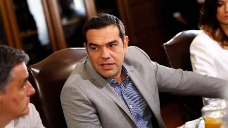 Με… περσινή πρόταση Μητσοτάκη στη ΔΕΘ ο Τσίπρας: Συζητά να εξαγγείλει μείωση ΕΝΦΙΑ κατά 30%