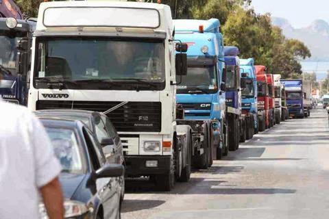 Απαγορεύτηκε η κίνηση των φορτηγών στις εθνικές το τριήμερο του Αγ. Πνεύματος