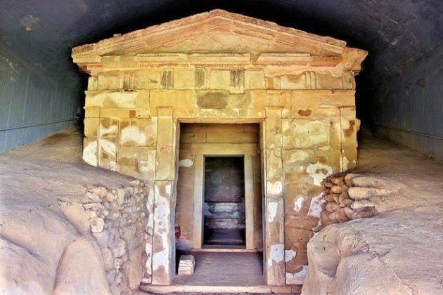 Ανακάλυψη-σοκ στην Αμφίπολη! Tι γράφει ο τάφος;