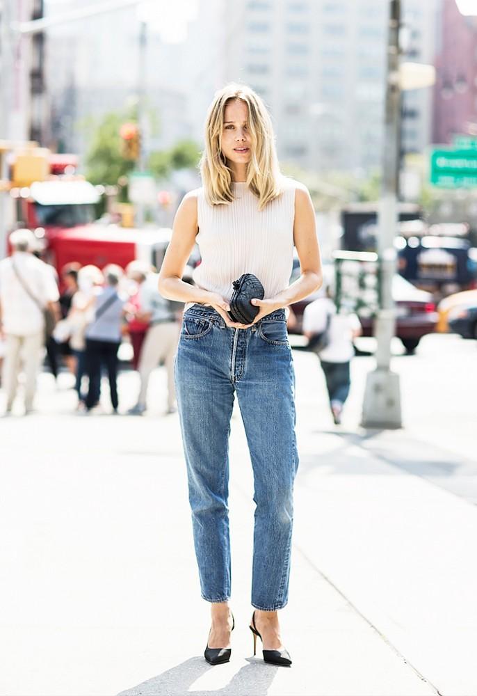 Ξέχνα τα skinny jeans! Τα χαλαρά και άνετα παντελόνια είναι η νέα τάση στο denim