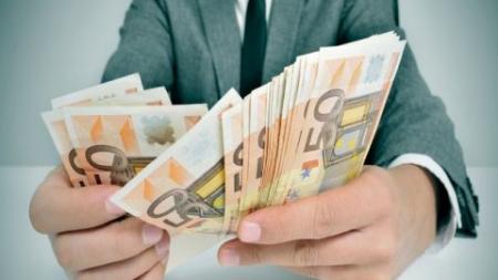 Δεν τους ήξερες αλλά τους πλήρωνες! Οι 10 φόροι που καταργούνται με το νέο μνημόνιο!