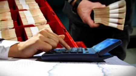 Η Εφορία σαρώνει όλες τις συναλλαγές και τις καταθέσεις των φορολογουμένων