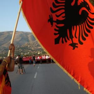 Συναγερμός στην ελληνική μειονότητα στην Αλβανία – Καταπατητές με πλαστά έγγραφα κλέβουν από Έλληνες χιλιάδες στρέμματα γης