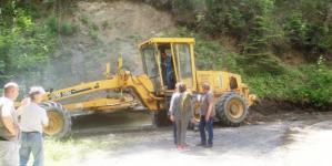 Επιτόπια επίσκεψη του Αδαμόπουλου σε έργα συντήρησης οδικού δικτύου (φωτογραφίες)