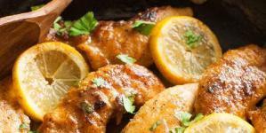 Κοτόπουλο στο τηγάνι με βούτυρο και λεμόνι