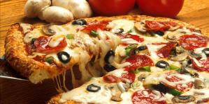 Τρως την πίτσα λάθος -Ενας ειδικός αποκαλύπτει το σωστό τρόπο