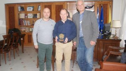 Απονομή Βραβείου στον Αντιπεριφερειάρχη Καστοριάς για τη στήριξη των Ραγκουτσαριών 2016