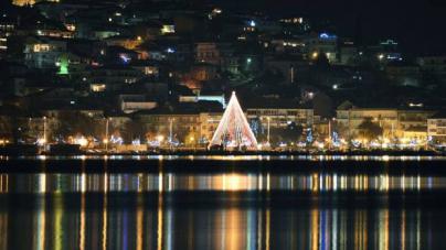 Ρεκόρ τουριστών στην εορταστική Καστοριά (βίντεο ρεπορτάζ)