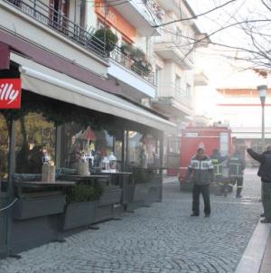 Φωτιά εκδηλώθηκε σε μια από τις πιο γνωστές κεντρικές  καφετέριες στην Έδεσσα,