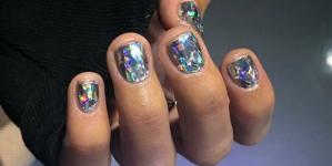 Και τα κοντά νύχια έχουν δικαίωμα στο nail art