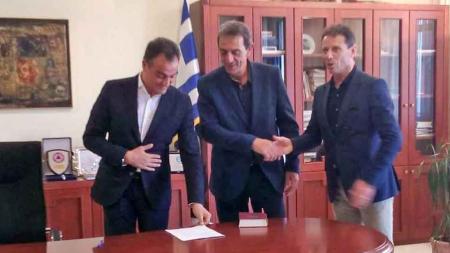 Ορκίστηκε νέος περιφερειακός σύμβουλος ο Δημήτρης Κοσμίδης , αντικαθιστώντας τον παραιτηθέντα Γ. Σβώλη