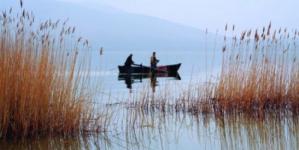 Απαγορευτικό για ψάρεμα στη λίμνη της Καστοριάς, τον Αλιάκμονα και τα λιμνοφράγματα