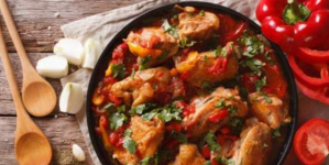 Κοτόπουλο με πιπεριές