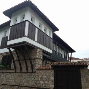 Όλα τα αρχοντικά της Καστοριάς (πληροφορίες – φωτογραφίες)