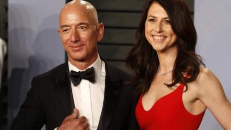 25 χρόνια με την ίδια σύζυγο ο Τζεφ Μπέζος -Ο πλουσιότερος άνθρωπος του κόσμου, ξεχωρίζει [εικόνες]