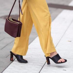 Τα παπούτσια που θα φορεθούν όσο τίποτα τη νέα σεζόν -Έχουν χαρακτήρα και θα σας ξαφνιάσουν