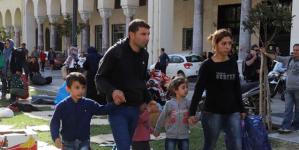 Αποχώρησαν οι μετανάστες από την πλατεία Αριστοτέλους- Μεταφέρονται στα Διαβατά [βιντεο]