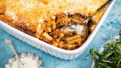Παστίτσιο με μπεσαμέλ γιαουρτιού: Απίθανη, ελαφριά και υγιεινή γεύση χωρίς κρέμα γάλακτος