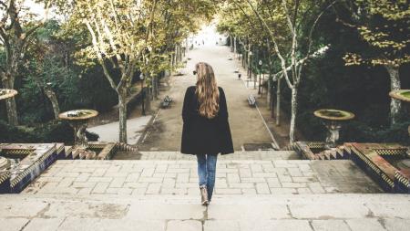 Τι θα συμβεί στο σώμα σας αν περπατήσετε για 15' αμέσως μετά το φαγητό