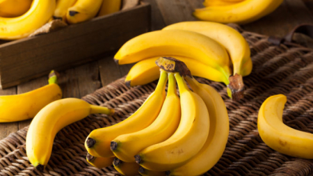 Τι προσφέρουν οι μπανάνες στην υγεία σας: Οφέλη αλλά και… κίνδυνοι