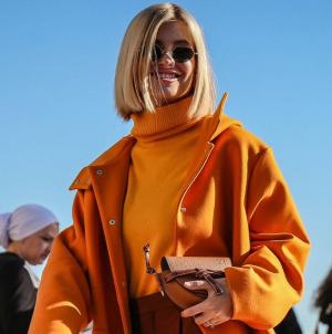 Το χρώμα της Pantone που φορούν τώρα τα πιο stylish κορίτσια -Ζεστό και σοφιστικέ