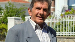 ΤΙ ΕΙΝΑΙ Ο ΚΥΡΙΟΣ:   Σ. Αδάμ «το χρίσμα στην Καστοριά αποδείχθηκε πολλές φορές στο παρελθόν… κλύσμα»