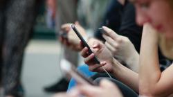 Γιατί δεν πρέπει να αγγίζουμε ποτέ το κινητό ενός άλλου -Υπάρχει σοβαρός λόγος σύμφωνα με έρευνα