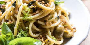 Σπαγγέτι με λάδι, σκόρδο, ελιές