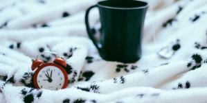 6 πρωινές συνήθειες που μπορούν να αποδώσουν περισσότερο αν εφαρμοστούν το βράδυ