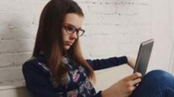 Διπλάσιος ο κίνδυνος κατάθλιψης για τα κορίτσια σε σχέση με τα αγόρια από τη χρήση των μέσων κοινωνικής δικτύωσης