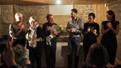 Athensvoice: Ένα «Σπασμένο Ρόδι» με δύναμη από την Καστοριά (του Σπύρου Αναγνώστου)