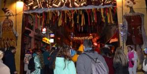 Ραγκουτσάρια: Εκατοντάδες κόσμου στους δρόμους της Καστοριάς – Φωτογραφίες