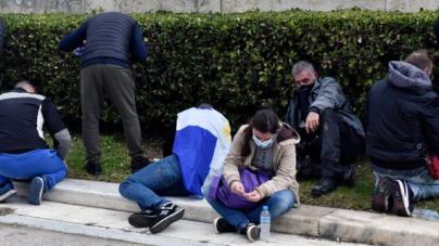 Συλλαλητήριο για τη Μακεδονία: Οργή για τα χημικά μέσα σε παιδιά και ηλικιωμένους -Ολα όσα έγιναν