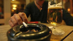 Τέλος καπνιζόντων: Ποιες επιχειρήσεις πρέπει να το πληρώσουν – Ποιο είναι το ποσό