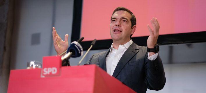 tsipras-dwra-708.jpg