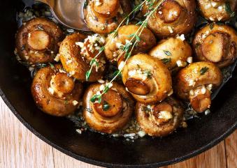 Μανιτάρια με σκόρδο στο τηγάνι